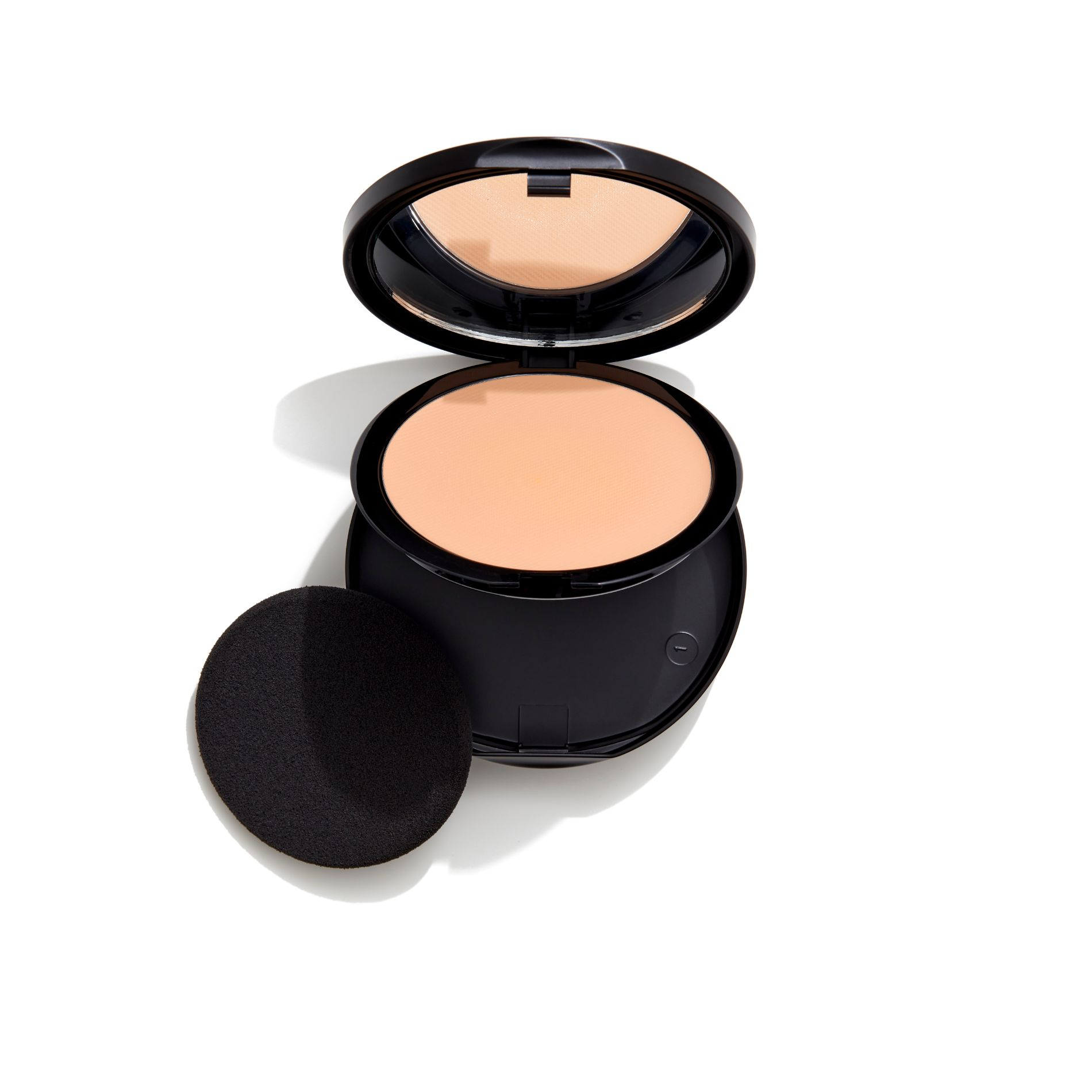Image of   GOSH GOSH Foundation Plus + Creamy Compact - 004 Natural